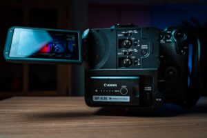 Canon EOS C70 Display features